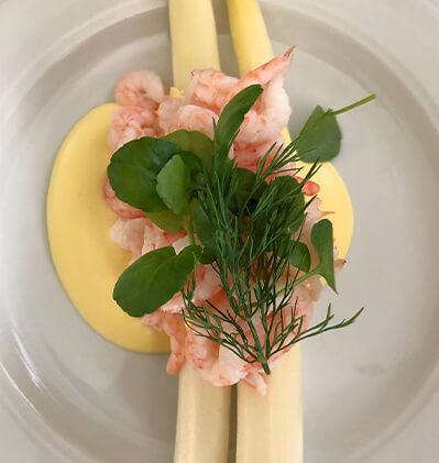 Lækker mad på restaurant i Holte